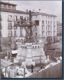 monumento-a-los-fueros-3